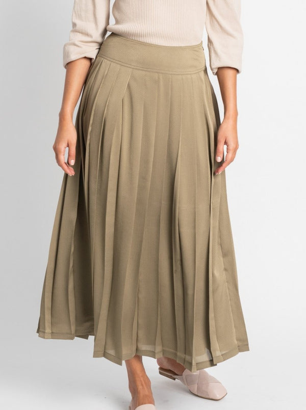 PLEATED CHIFFON MAXI-Fame on Central