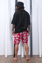 Load image into Gallery viewer, Vintage 90s Printed Shorts. Festival / Holiday. Summer. MEDIUM