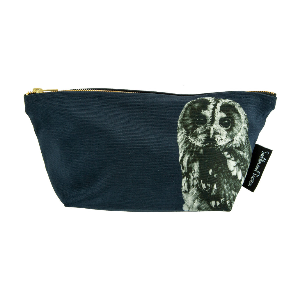 Tawny Owl Wash Bag - Blackberry