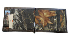 Load image into Gallery viewer, Realtree Mossy Oak Camo Front Pocket Wallet with Clever Money Clip Lightweight Bifold