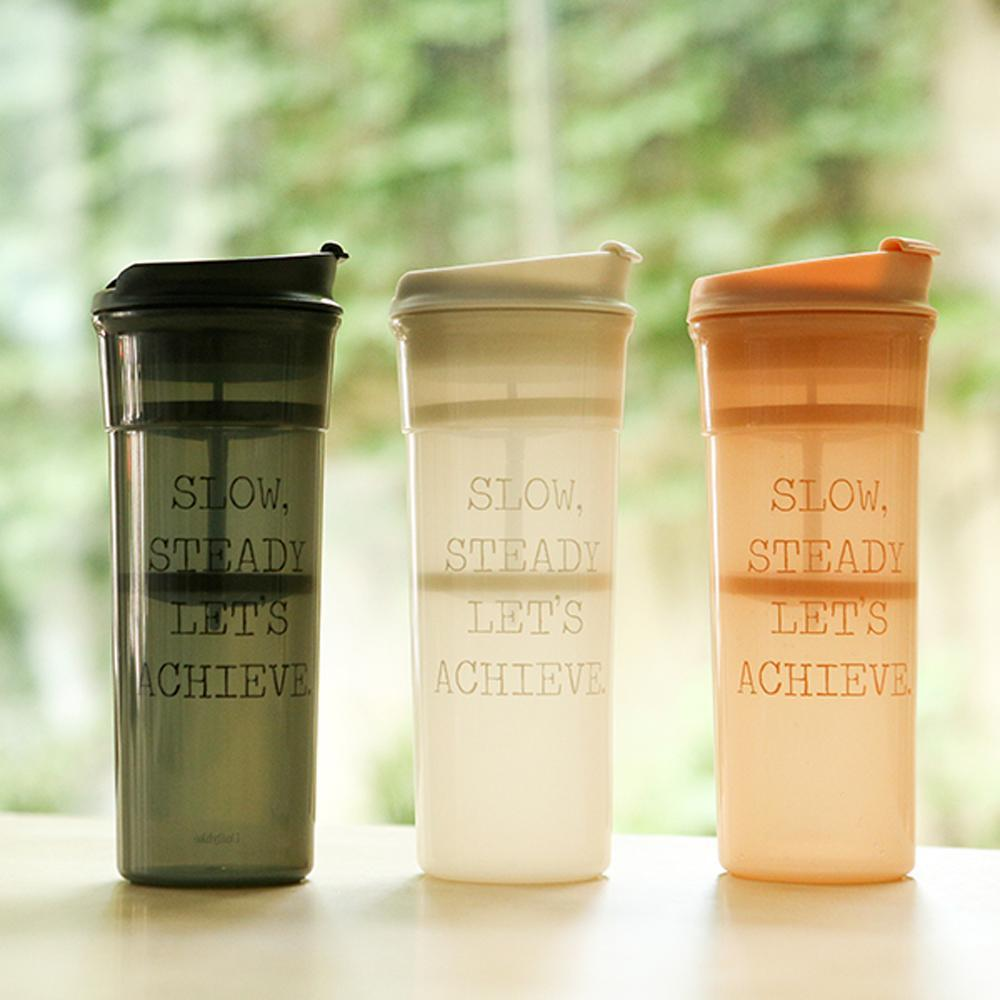 DAILYLIKE Shaker Bottle comes in three different colours. Light grey exudes confidence while rose and white varieties are a perfect addition to any kitchen toolset.