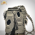 Load image into Gallery viewer, Wayúu Rhombuses Bag