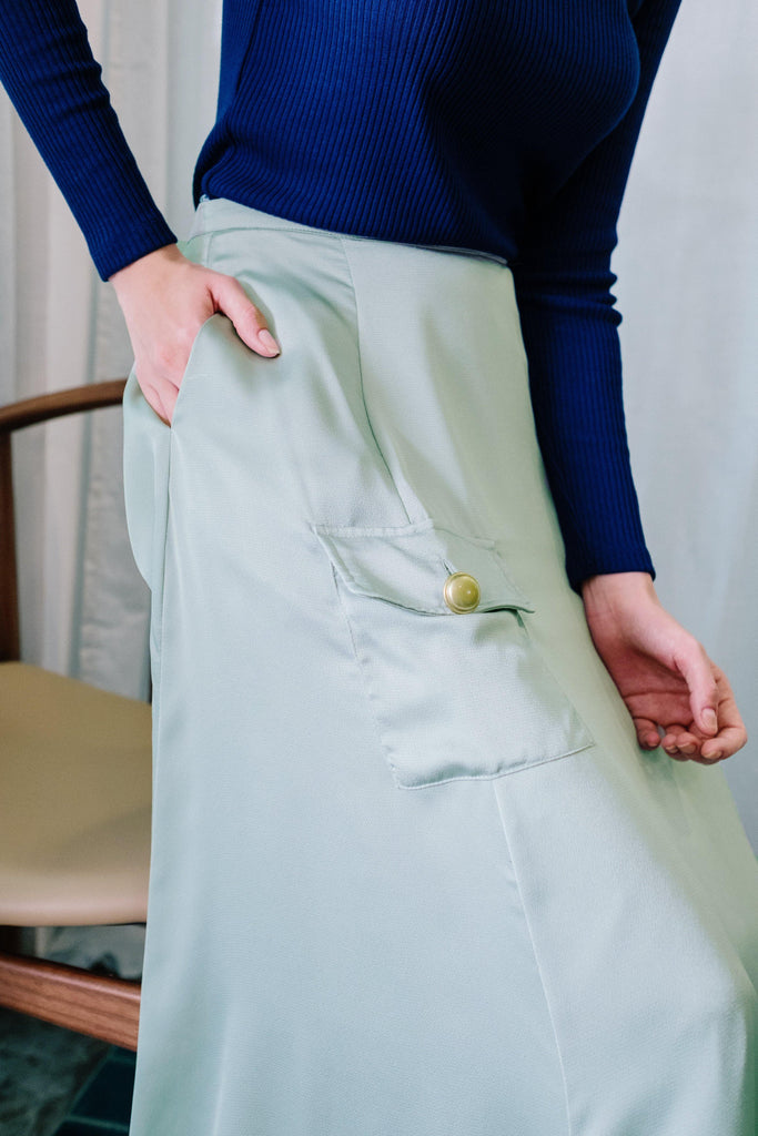 A-line plain skirt with side pocket in mint green