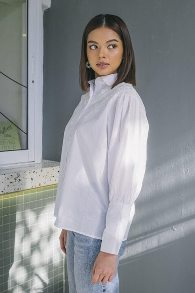 Voluminous Shirt with Lace Trimmed Off White