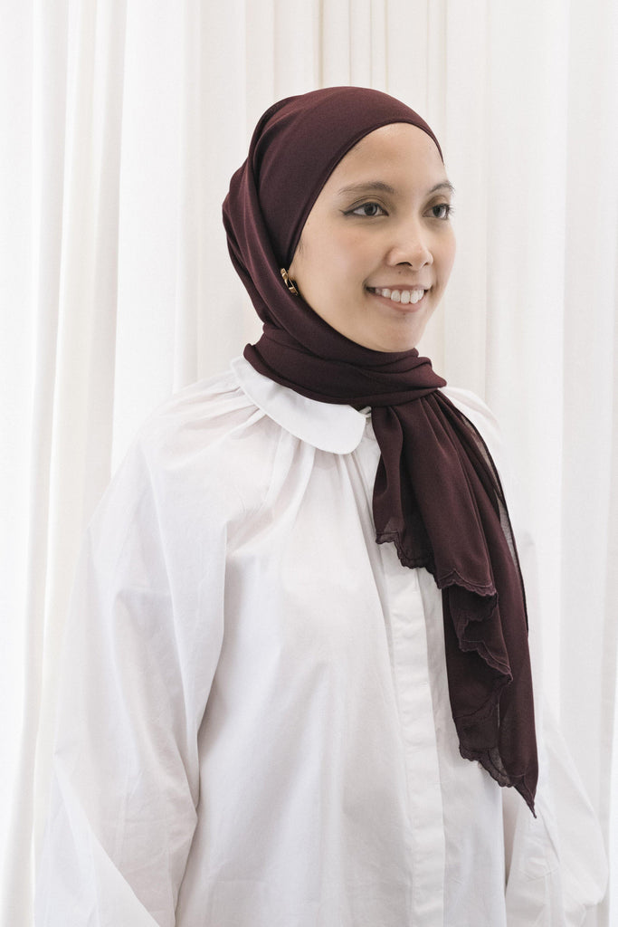 Lebaran Plain Shawl in Maroon