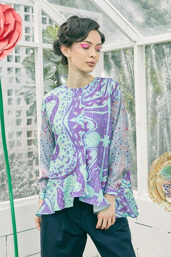 Precia Overlap Flounce Top in Minty Purple