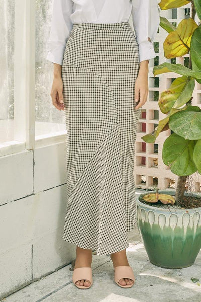 Bias Skirt in Black Gingham