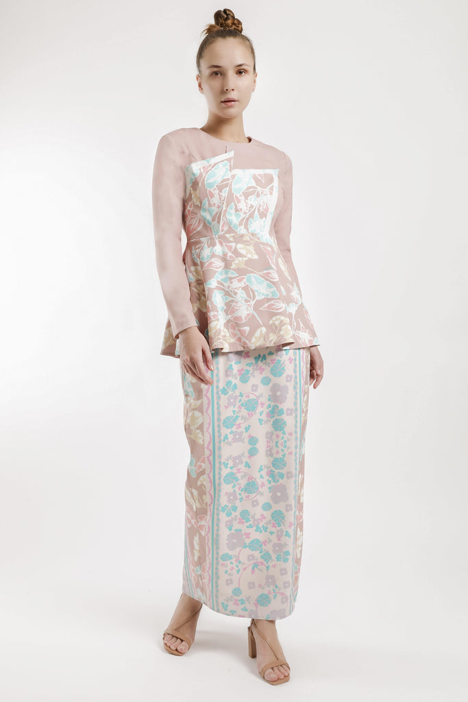 Ines Asymmetric Flare Kurung Set in Dusty Pink