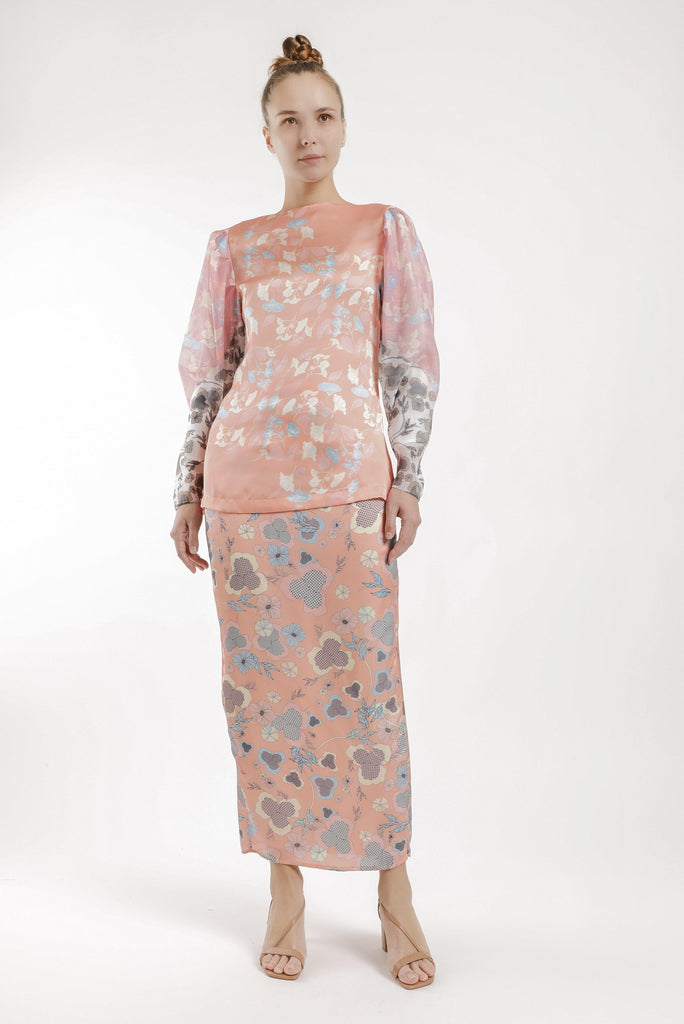 Rita Puff Sleeves Kurung Set in Salmon Pink