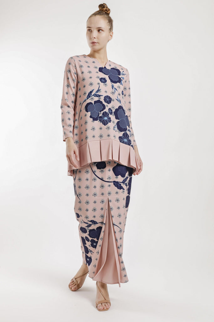 Judith Pleated Kurung Set in Brown Fown
