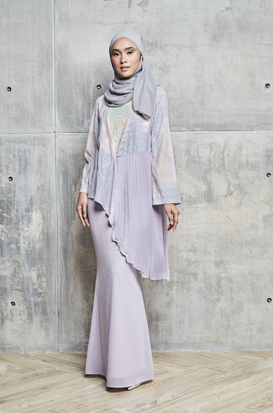 Raily printed Pleated kurung set in Lilac