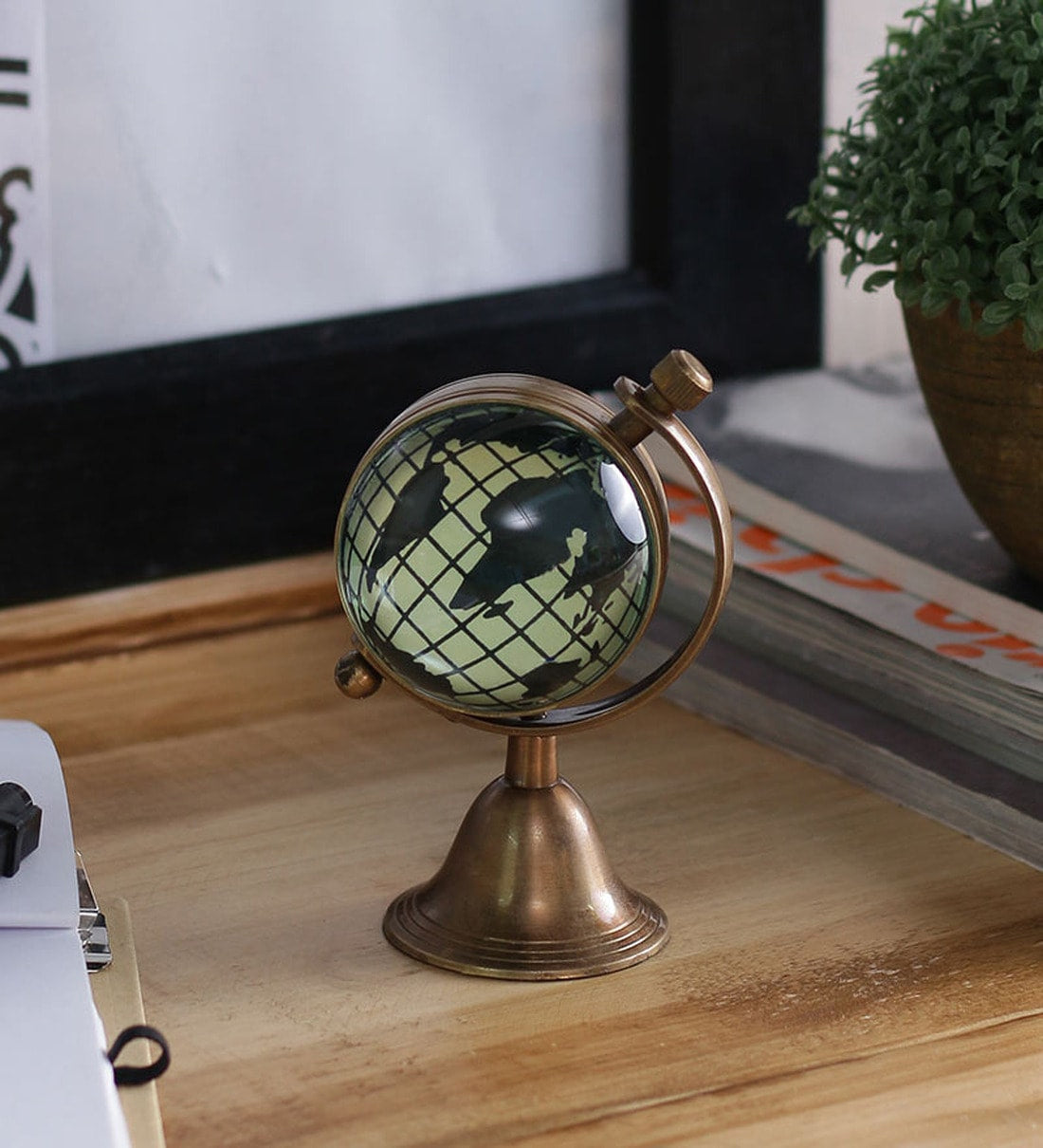 Brass Analog Table Clock for Office, Home Decor ( London Dial )