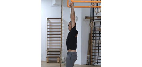passive hang to stretch shoulders for handstand training