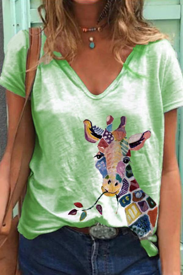 Casual Paneled V-neck Cartoon Giraffe Print T-shirt