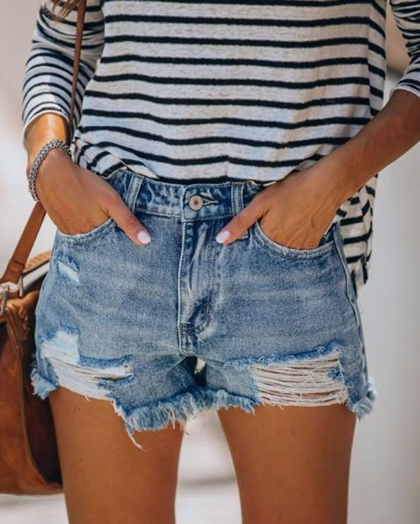 Loose buttonhole fringed jeans shorts