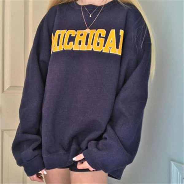 Women's long sleeve round neck sweatshirt