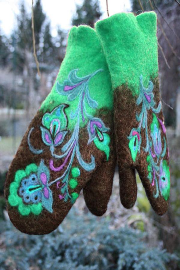 Embroidery Felt Fingerless Gloves