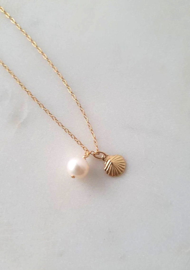 Pearl with Shell Necklace