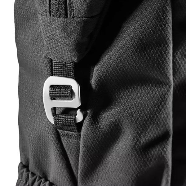 Deuter Vista spot hook closure detail