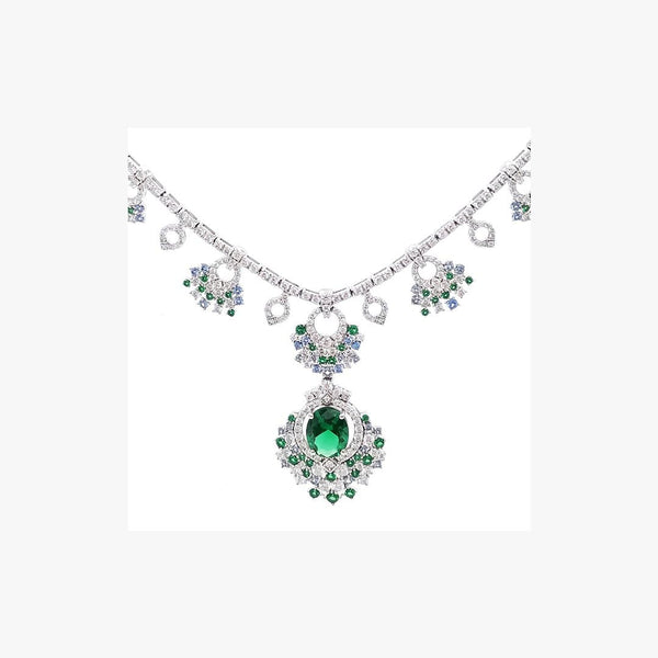 Elaborated Queen Emerald Necklace