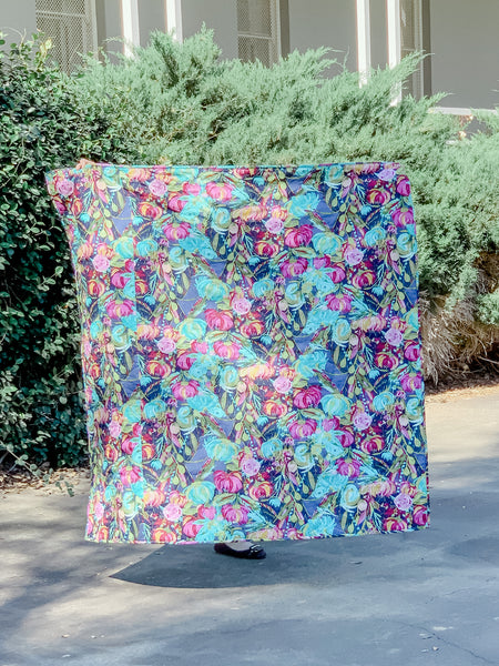 Ombré floral throw/crib size stained glass quilt - Quilts a la Mode