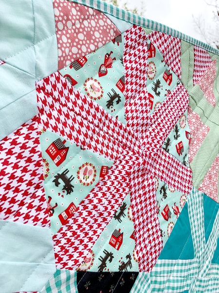 Little Red Hexagon Crib Quilt - Quilts a la Mode