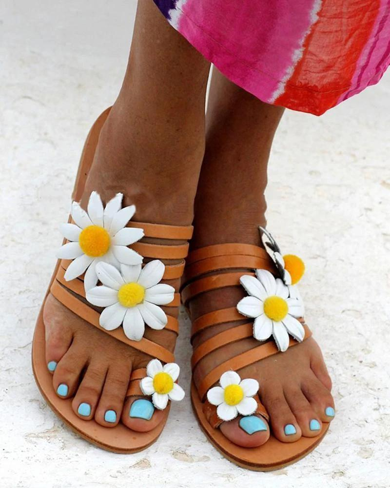 Kuselle Small Daisies Embellished Toe Ring Strappy Beach Slides