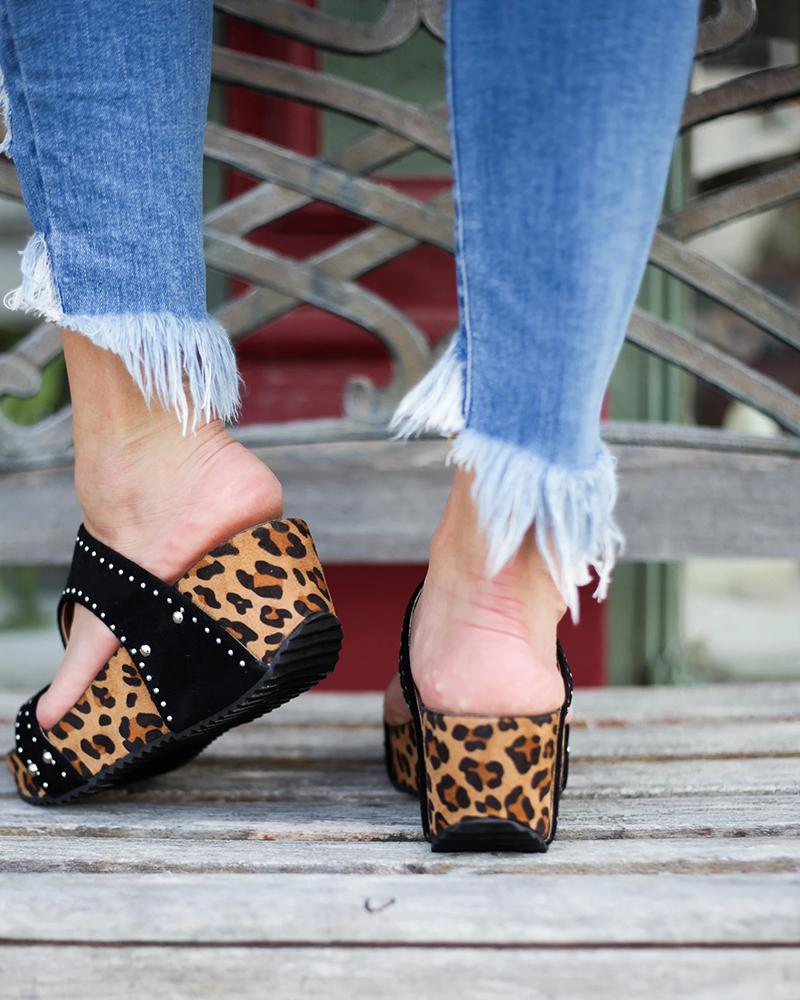 Kuselle Leopard Rivet Open Toe Wedge Slides