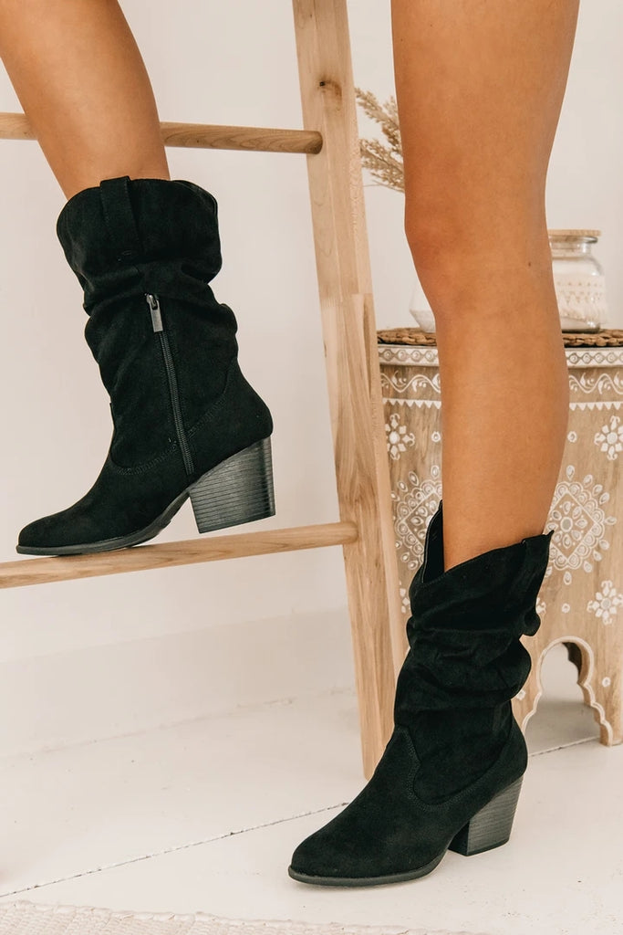 Kuselle Low Heeled Side Zipper Boots