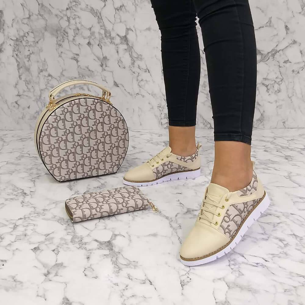 Kuselle Letter Printed Lace-up Sneakers