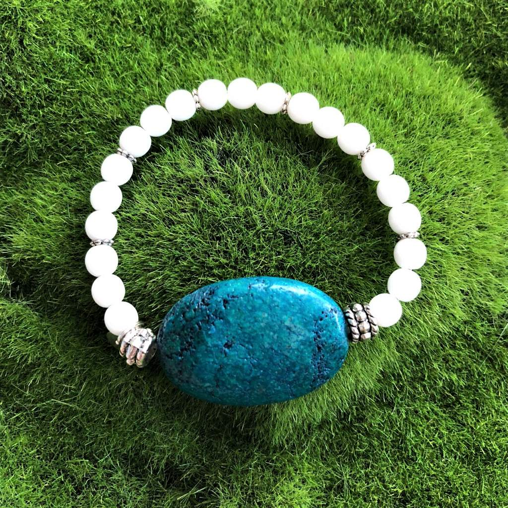 Yellow Turquoise Stone and White Beaded Bracelet