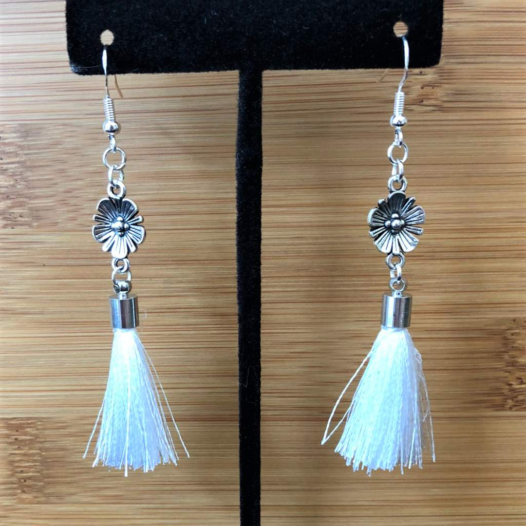 Antique Silver Flower with White Tassel Dangle Earrings - JaeBee Jewelry