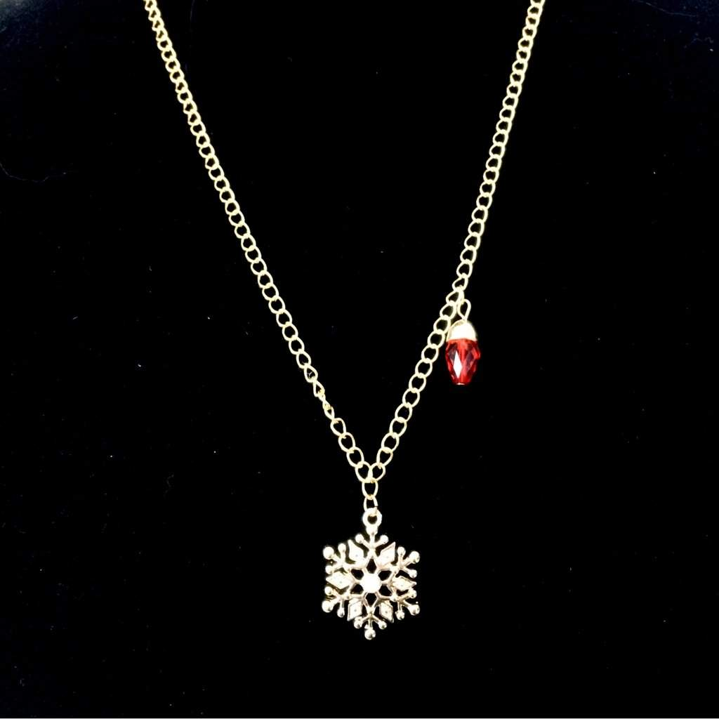 Gold Snowflake Christmas Pendant Necklace - JaeBee Jewelry