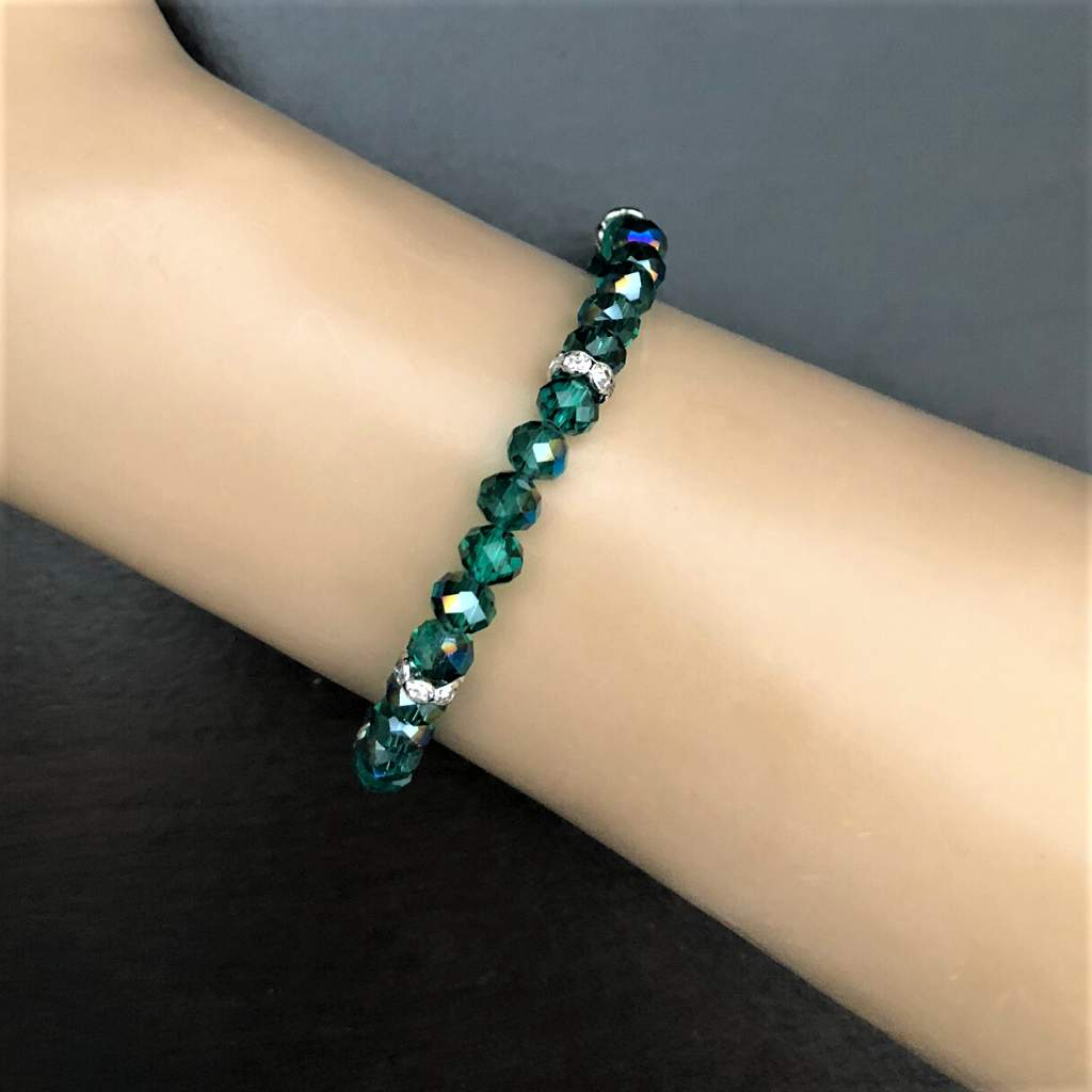 Emerald Green Crystal Faceted Stretch Bracelet - JaeBee Jewelry