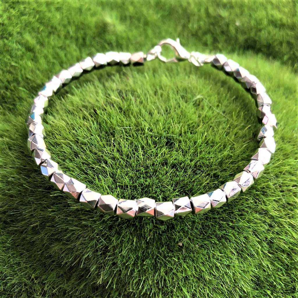 Silver Diamond Shaped Bracelet