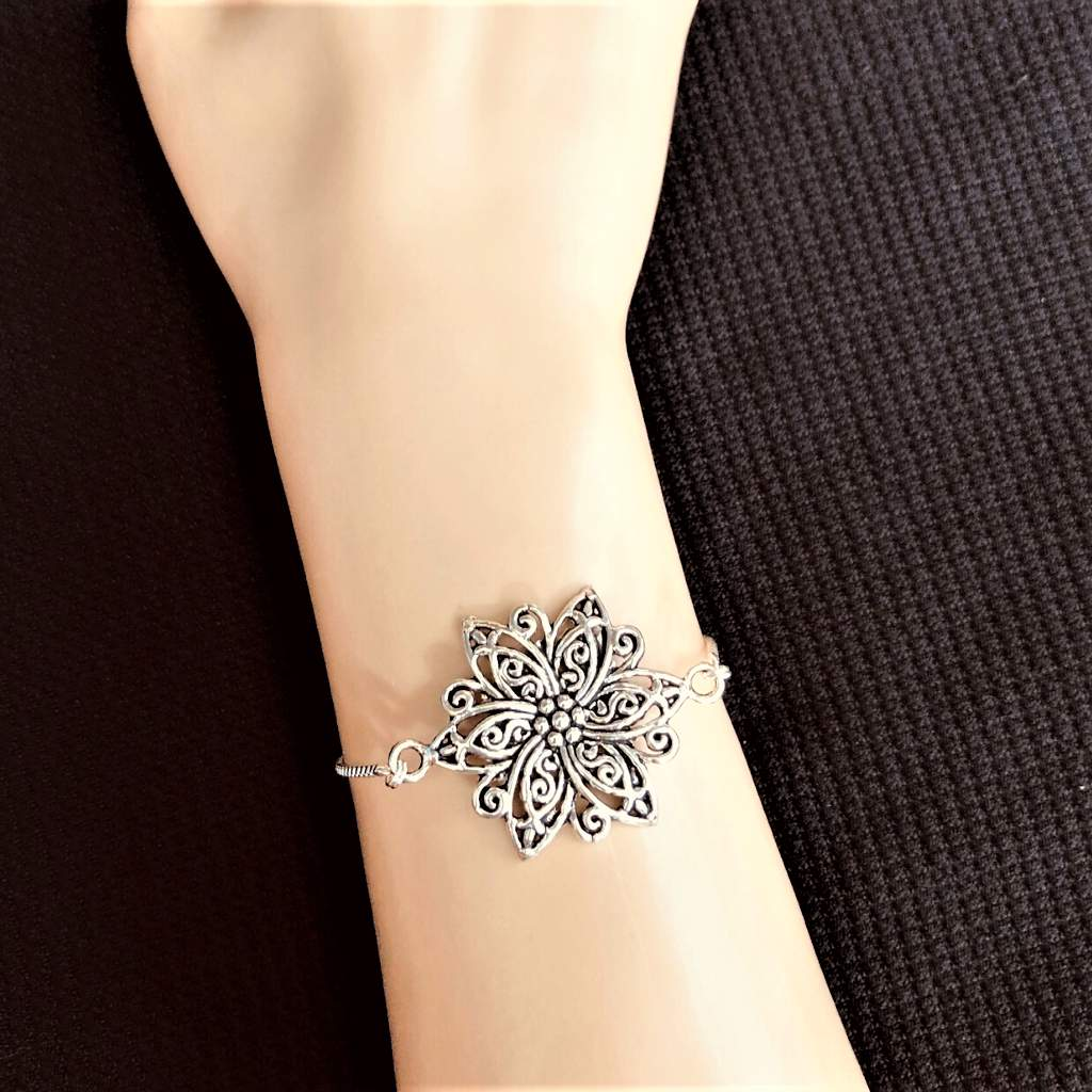 Fancy Silver Flower Chain Adjustable Bracelet - JaeBee Jewelry