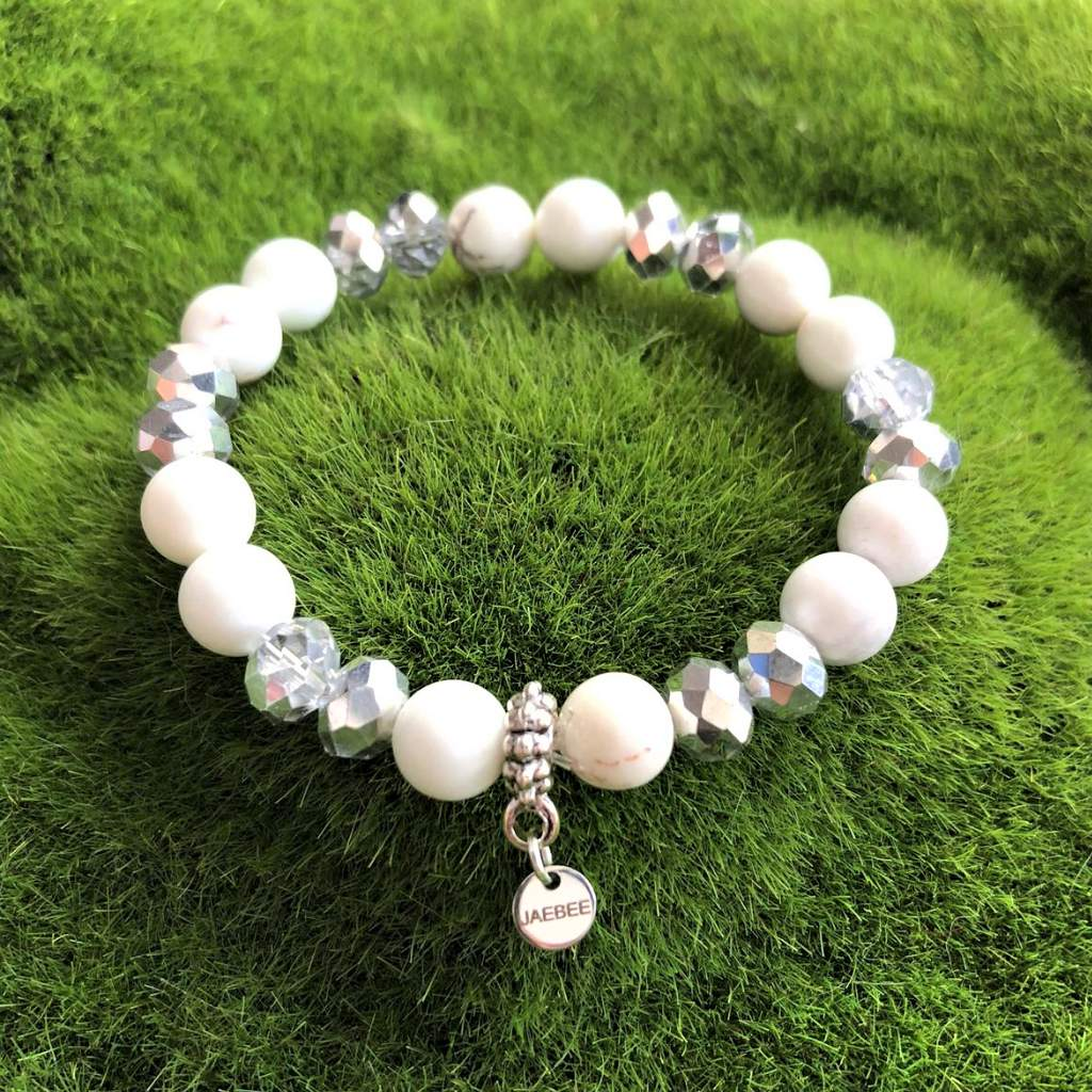 White Magnesite and Silver Crystal Beaded Bracelet