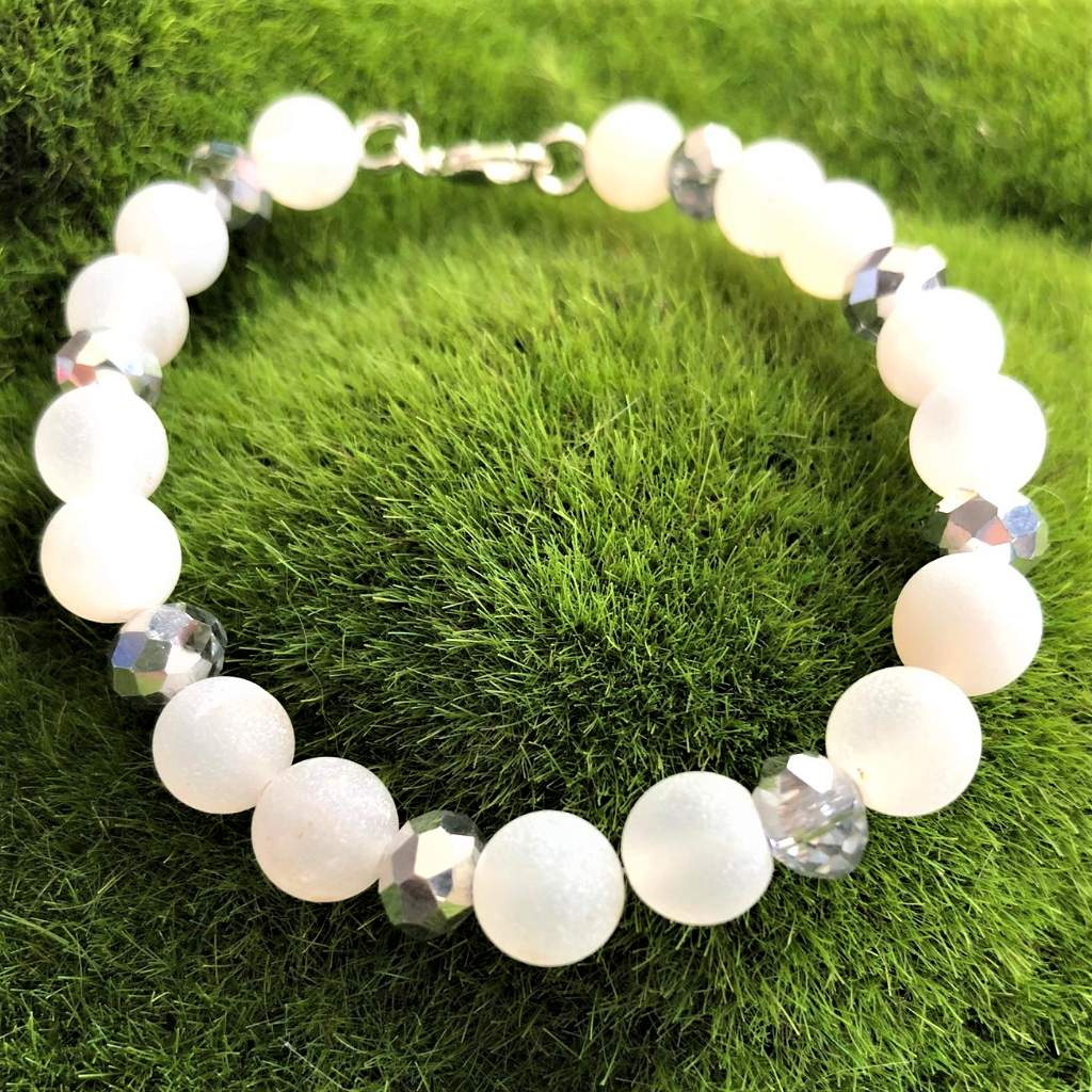 White Matte Agate and Silver Crystal Beaded Bracelet