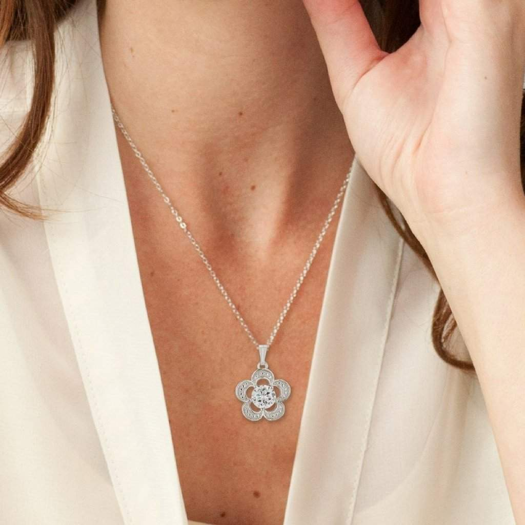 Flower Cubic Zirconia Pendant Necklace - JaeBee Jewelry