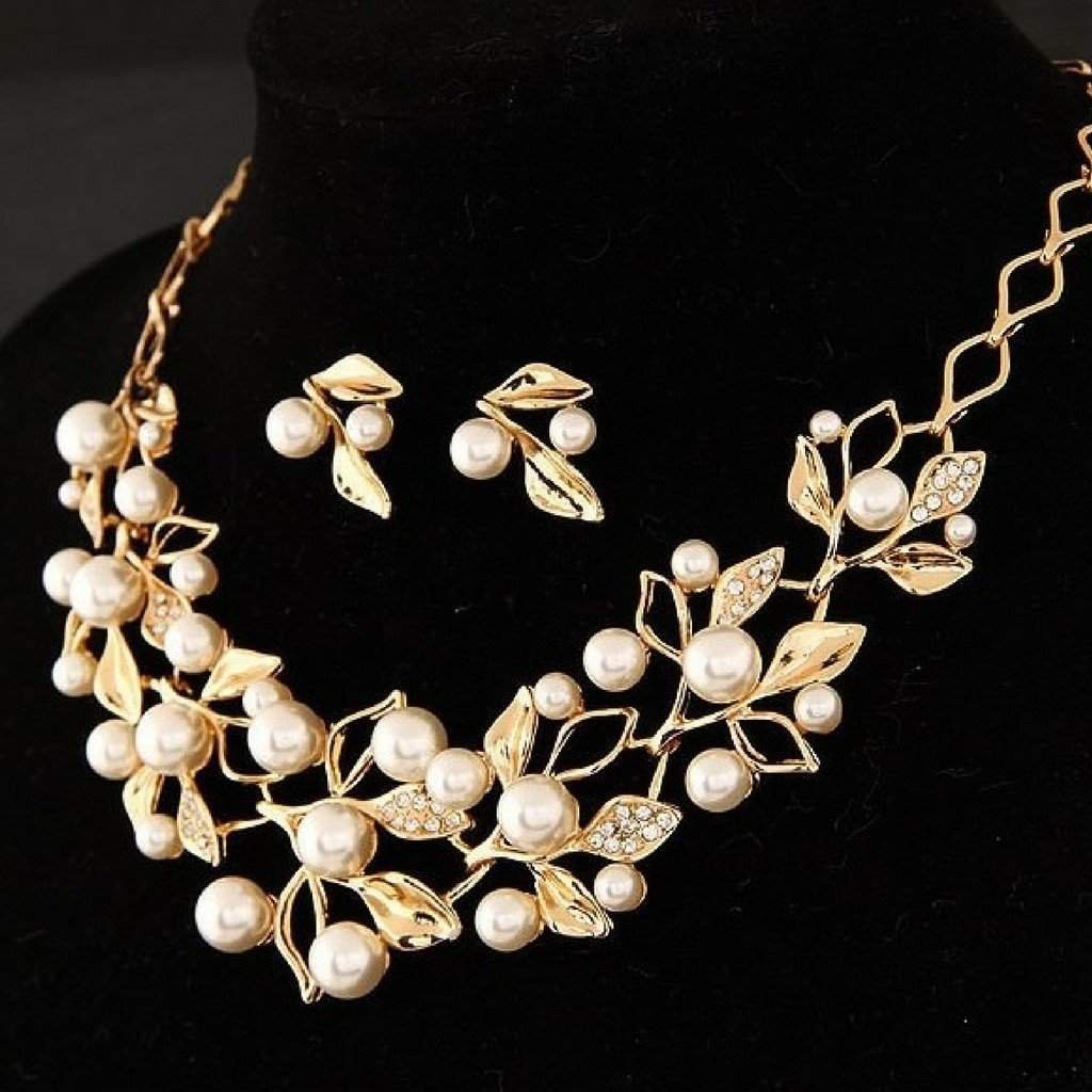 Pearl and Rhinestone Leaf Necklace - JaeBee Jewelry