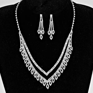 Crystal Rhinestone V Shaped Leaf Style Necklace - JaeBee Jewelry
