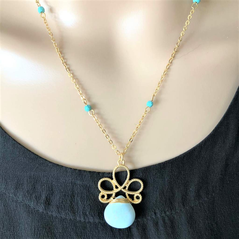 Turquoise Stone Flower Pendant Necklace - JaeBee Jewelry