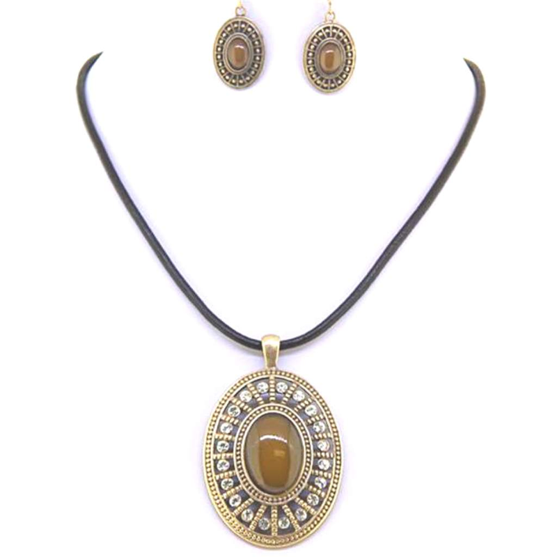 Brown Oval and Gold Pendant Necklace - JaeBee Jewelry