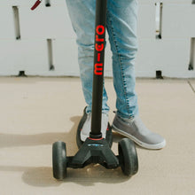 Load image into Gallery viewer, Maxi Deluxe Pro Scooter From Micro Kickboard