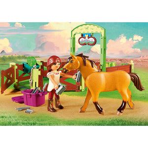 Lucky & Spirit with Horse Stall Spirit Riding Free Playmobil Set