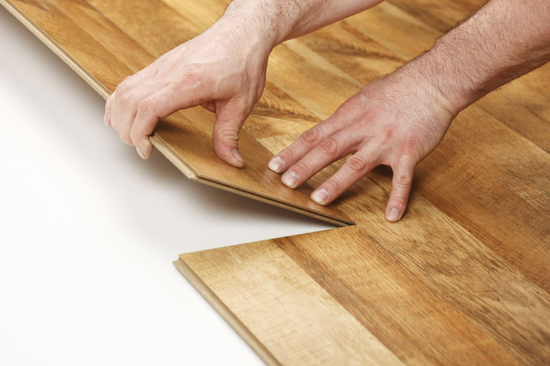 Find out what is laminate flooring and how to achieve successful installation on it