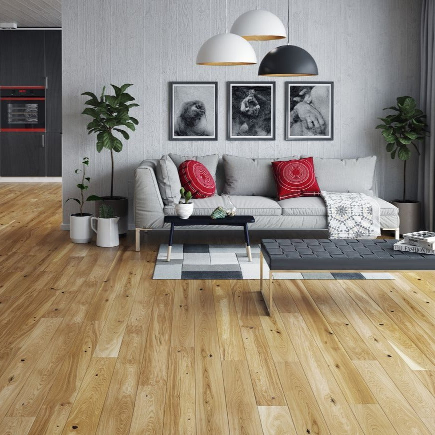 Lacquered Engineered wood flooring in natural colour