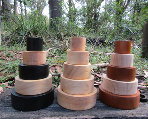 Contrast colour stacking bowls