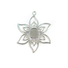 Load image into Gallery viewer, Cabochon Flower Pendant