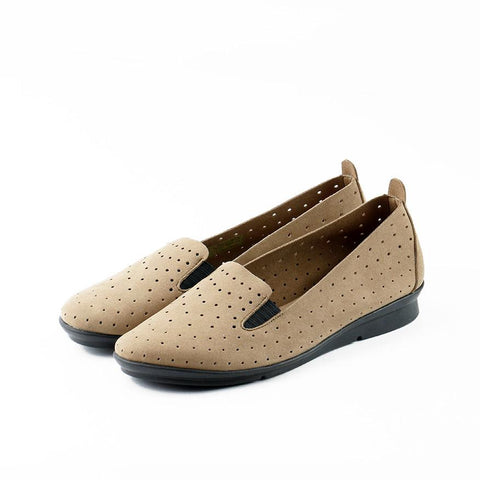 【Coimbra Punched Slip-On】輕薄軟 透氣休閒便鞋_Miele